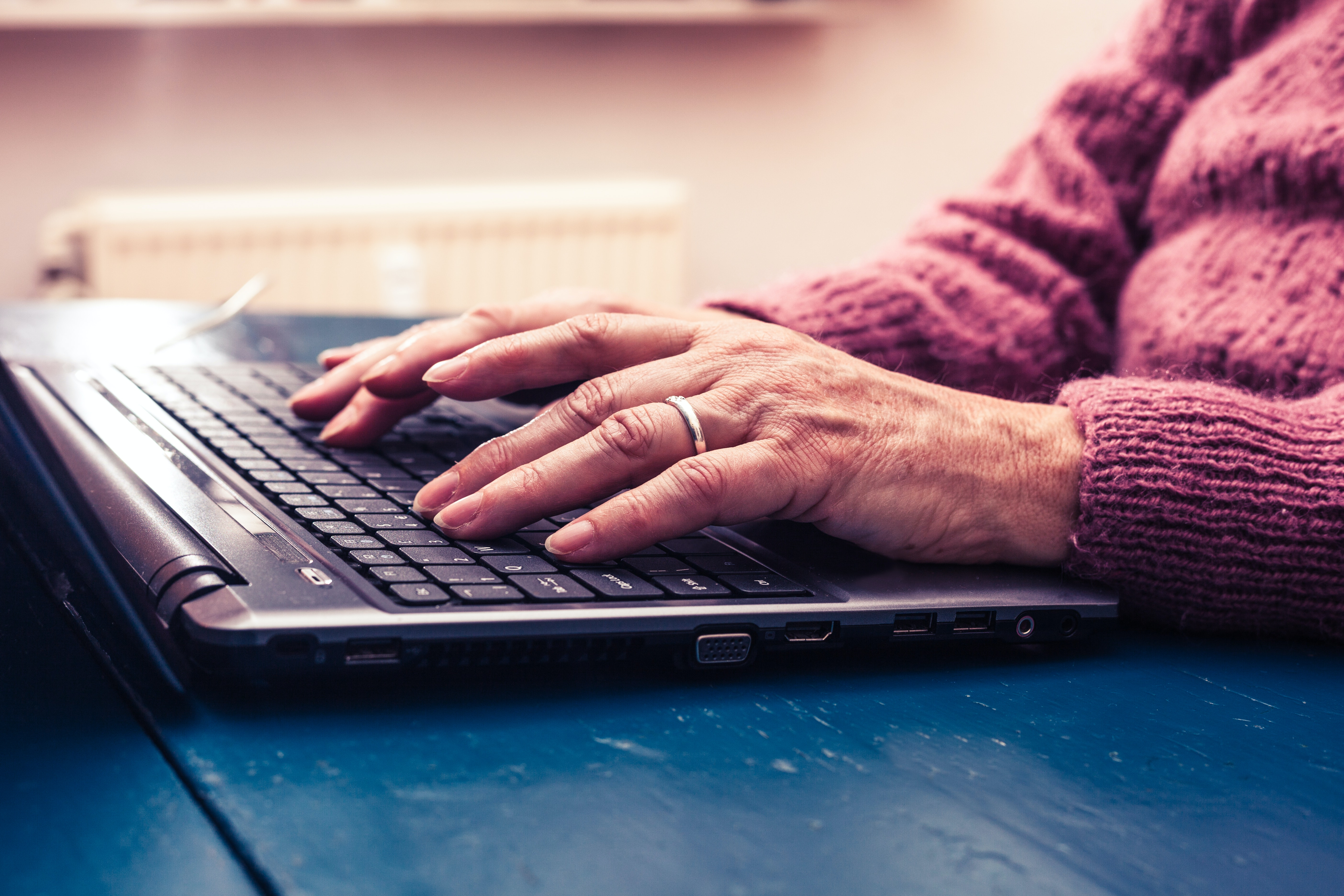 Connecting online can help prevent social isolation in ...