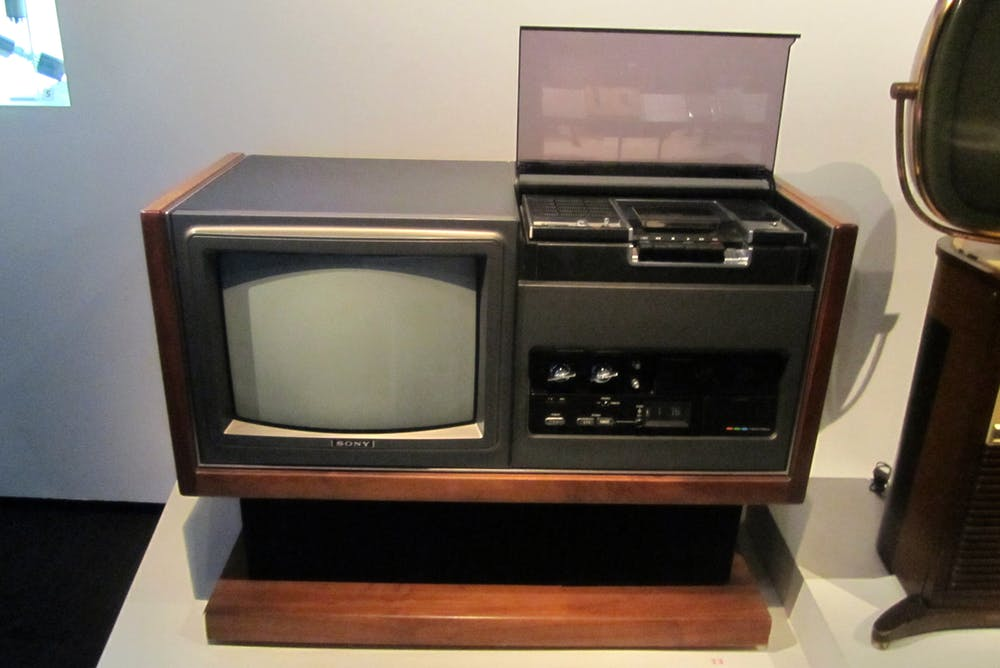 The end of sonys betamax video tape but the format wars continue the lv 1901 sony trinitron television and betamax vcr one of the first betamax products on the market flickrwally gobetz cc by publicscrutiny Choice Image