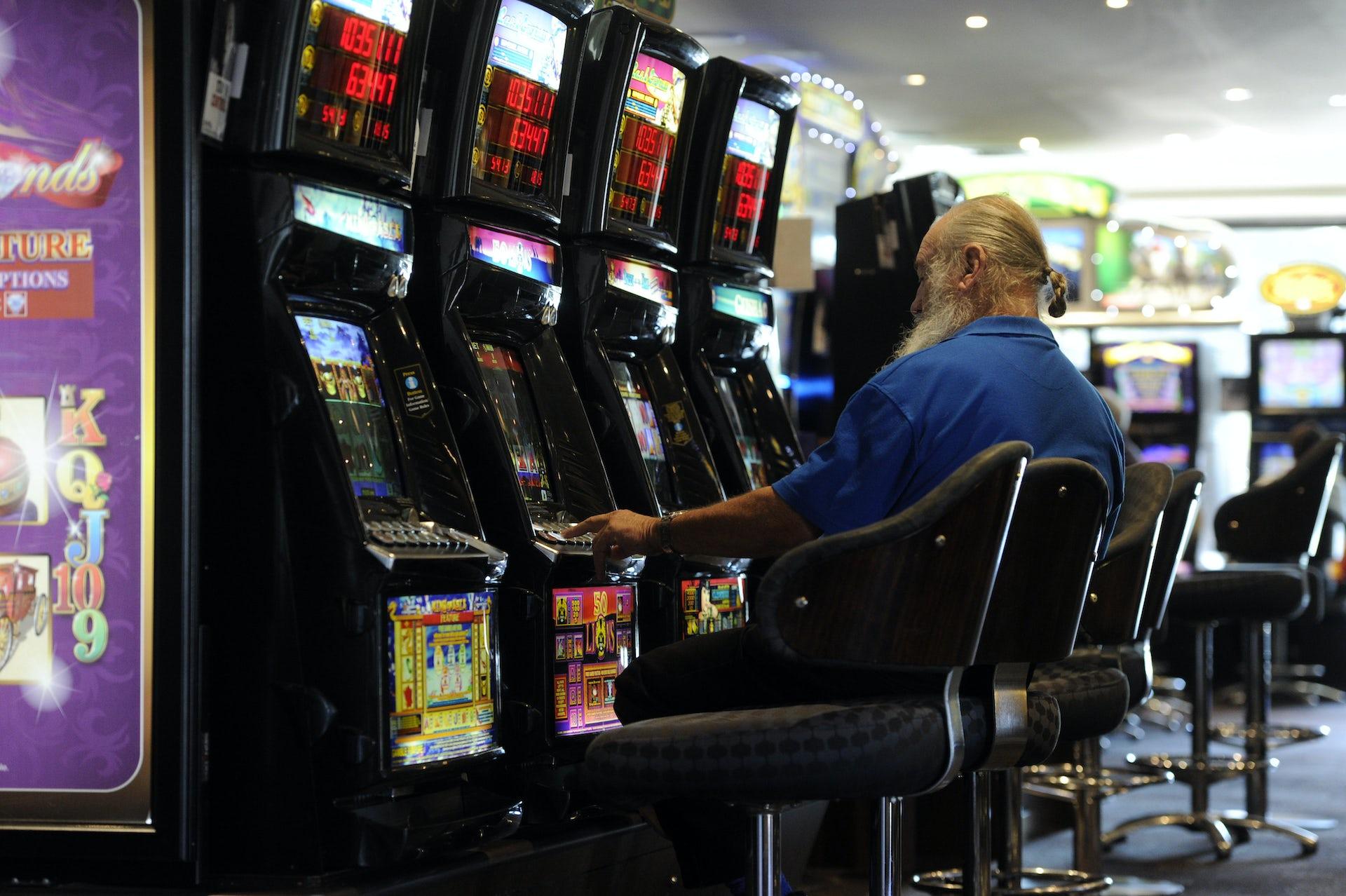 Push to ban online gambling at work free deposit file