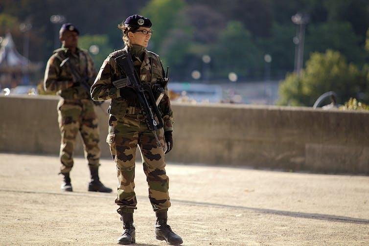 datant d'un officier de la marine féminine