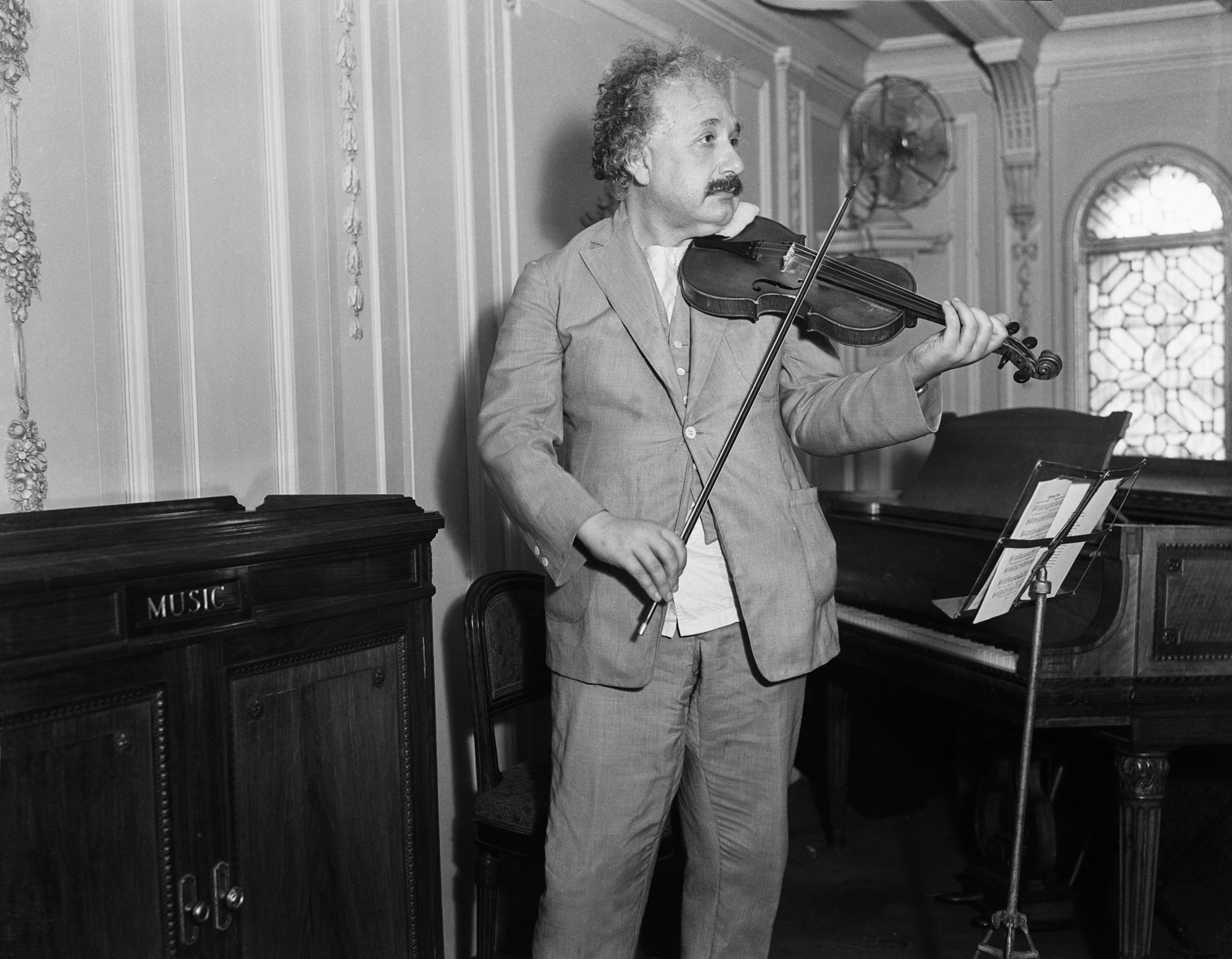 good vibrations the role of music in einstein s thinking