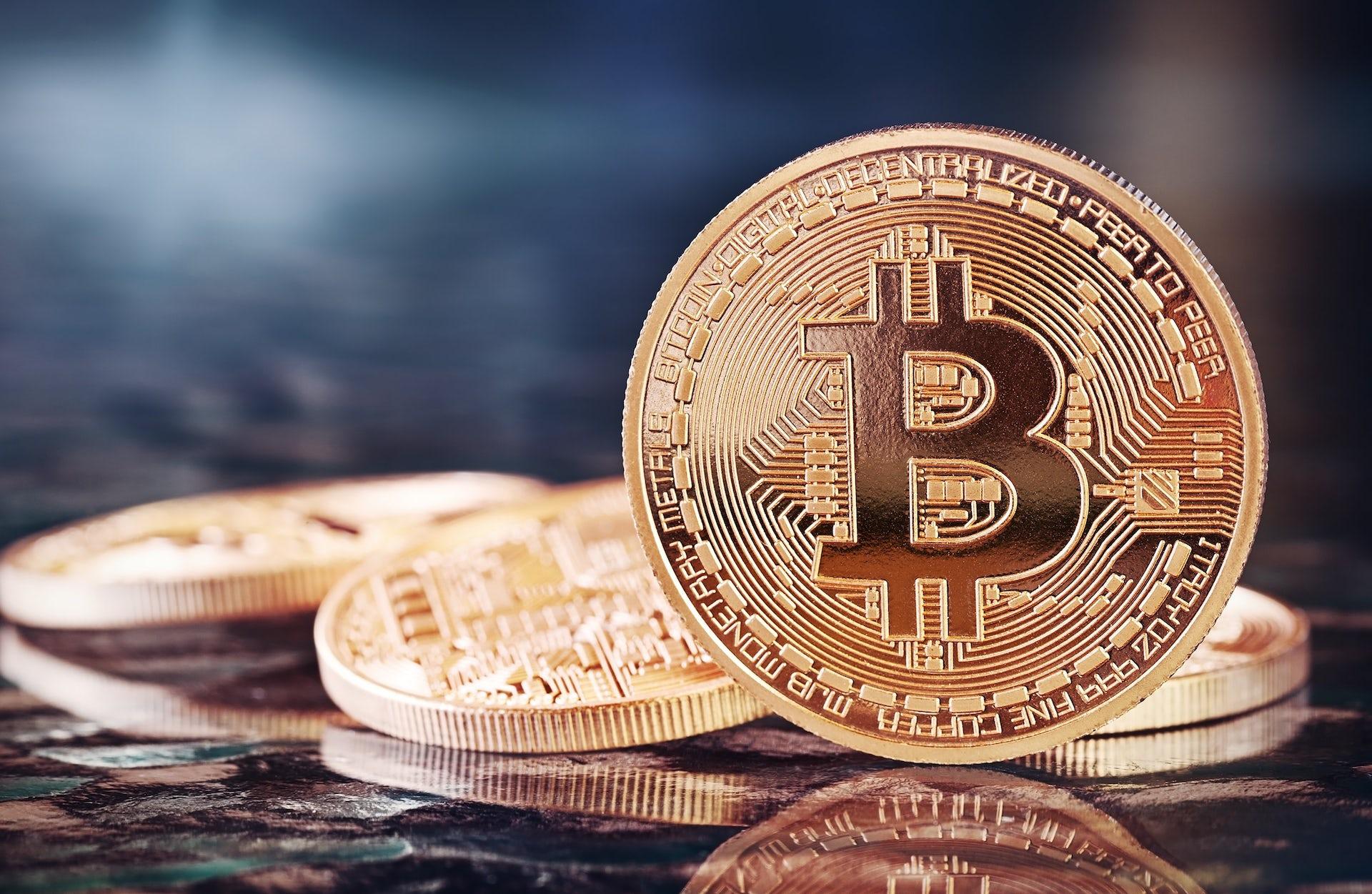 как финансисты оценивают биткоин знаете какое