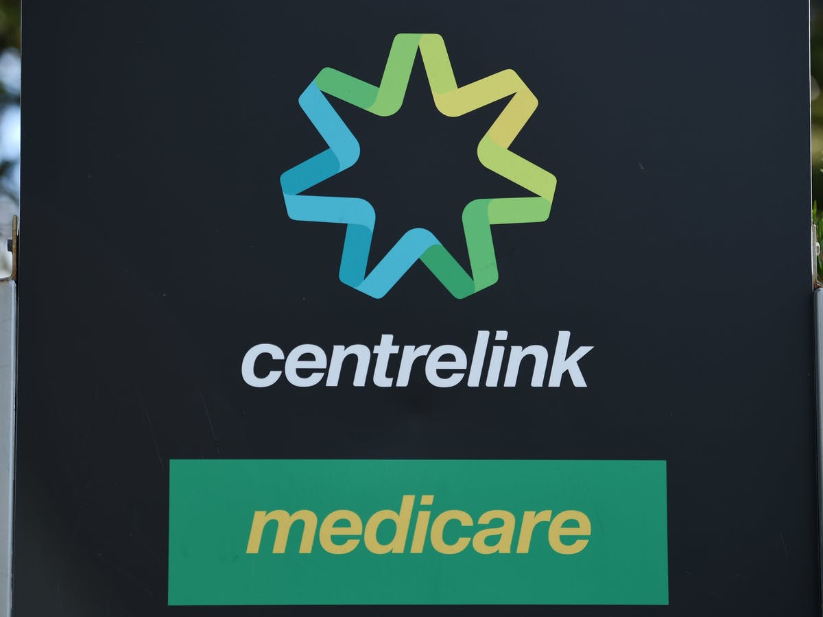 Factcheck Do Welfare Recipients Owe The Australian Government About 3 5 Billion