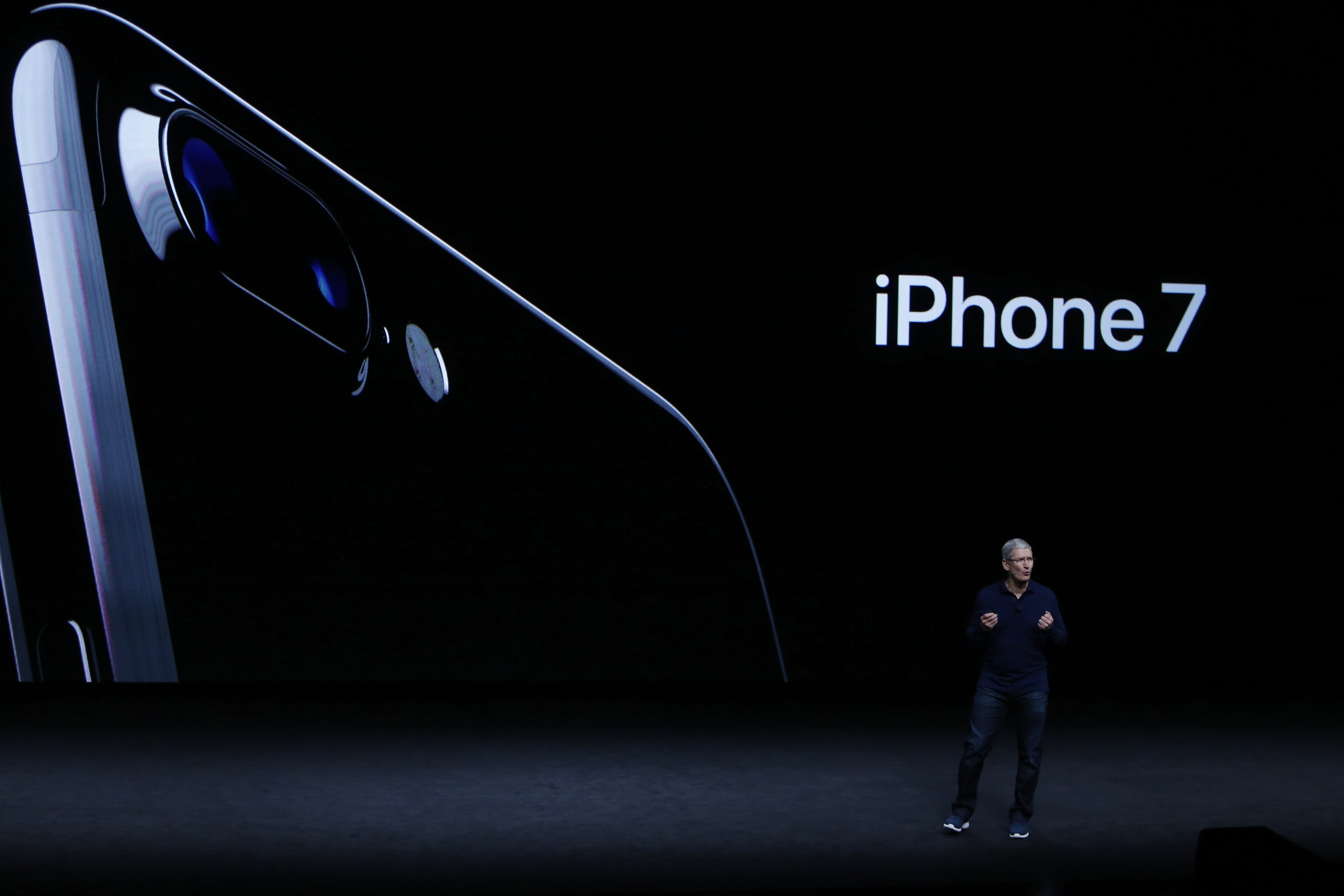 Apple is losing the innovation game, it can't trap users anymore