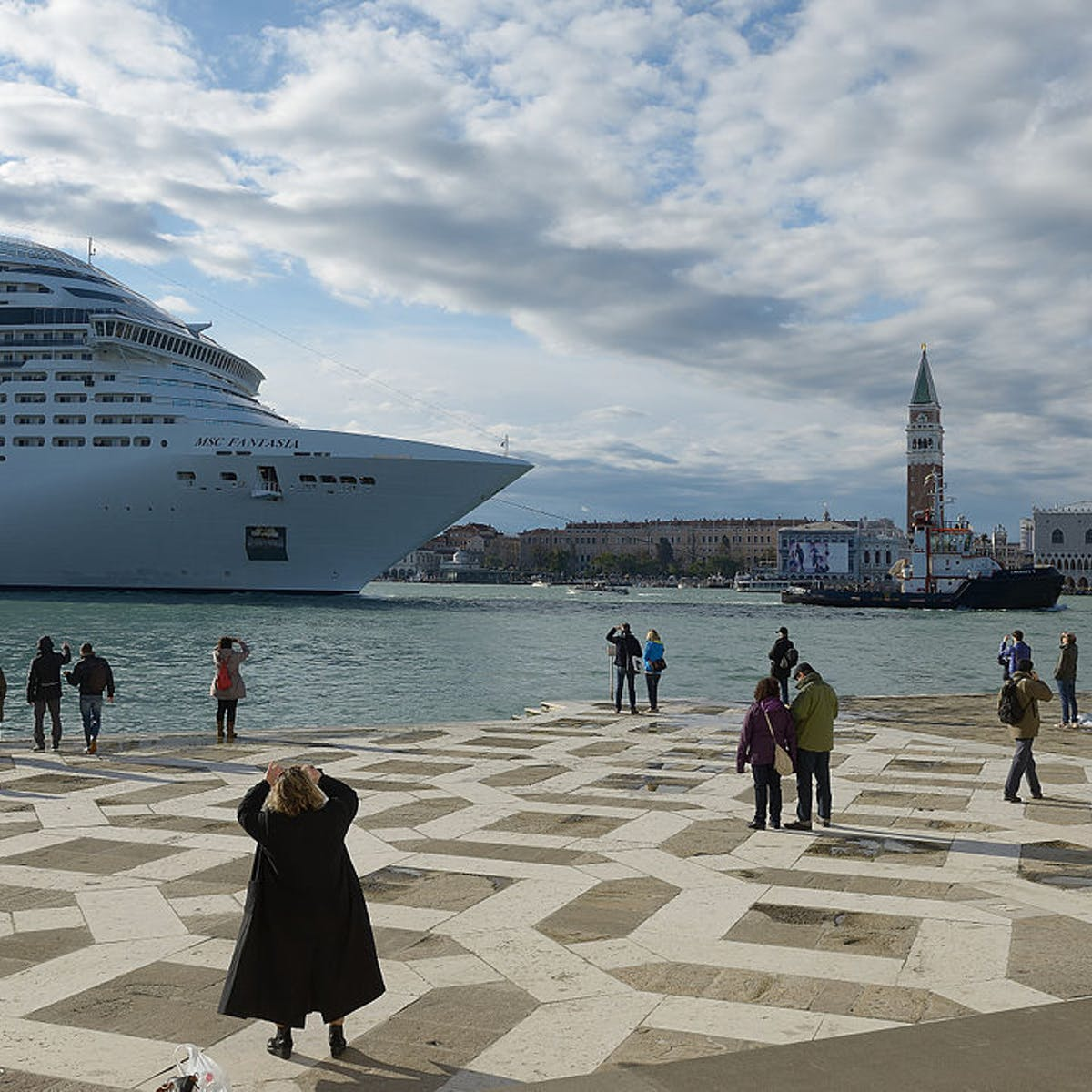 Cruise lines promise big payouts, but the tourist money