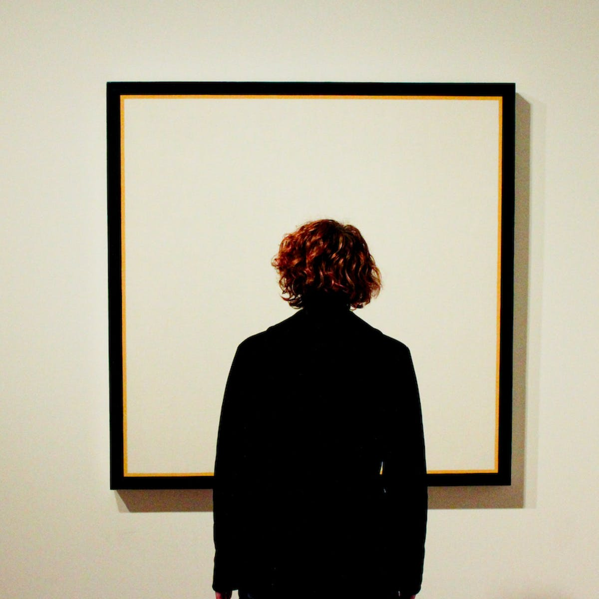 Fogies, insiders and press release summarisers: art criticism in ...