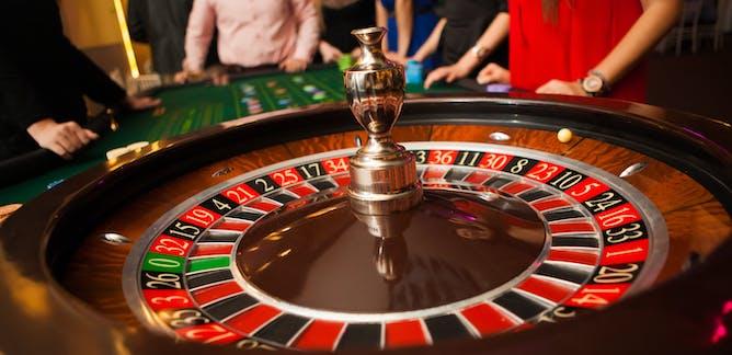 Miten valita oikea pokeripoydassa verkossa ultrakevyitat