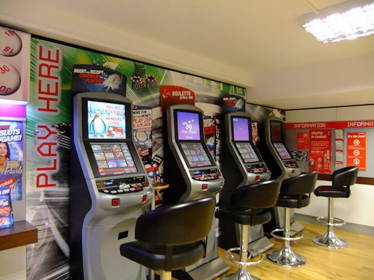 фото Игровые автоматы казино марафон