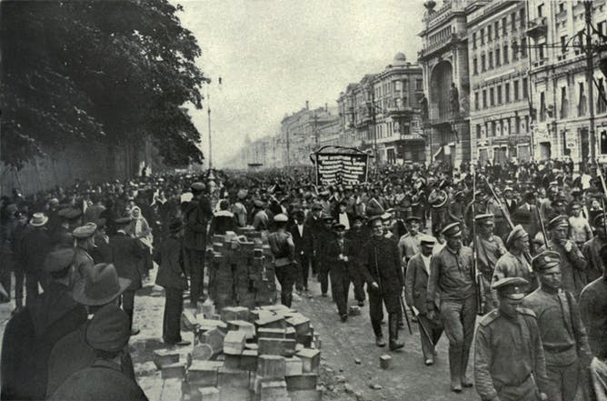 friday essay putin memory wars and the 100th anniversary of the bolshevik parade in st petersberg 1917 everett historical