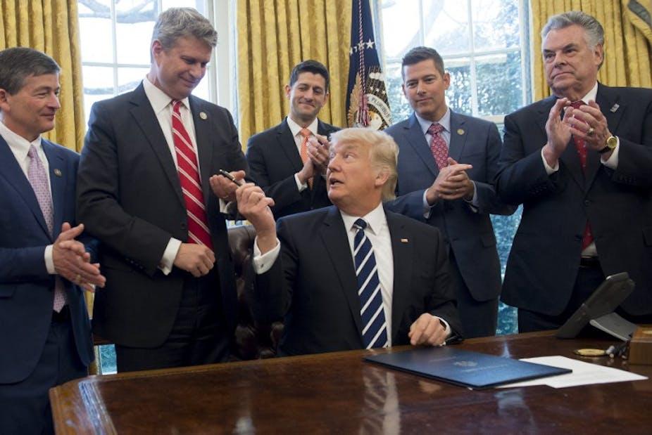 Trump, le nouveau roi du pétrole ?  dans ENERGIE, PETROLE, GAZ image-20170216-32678-pd29bz