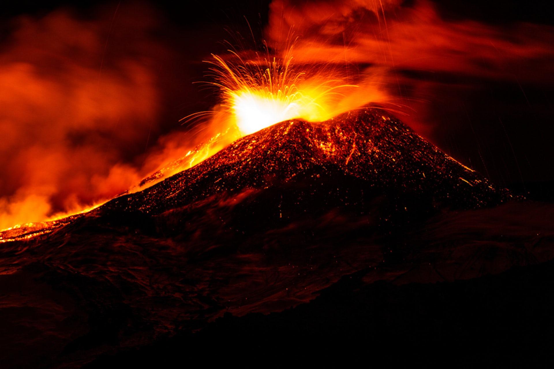 how long did the 1985 nevado del ruiz eruption last