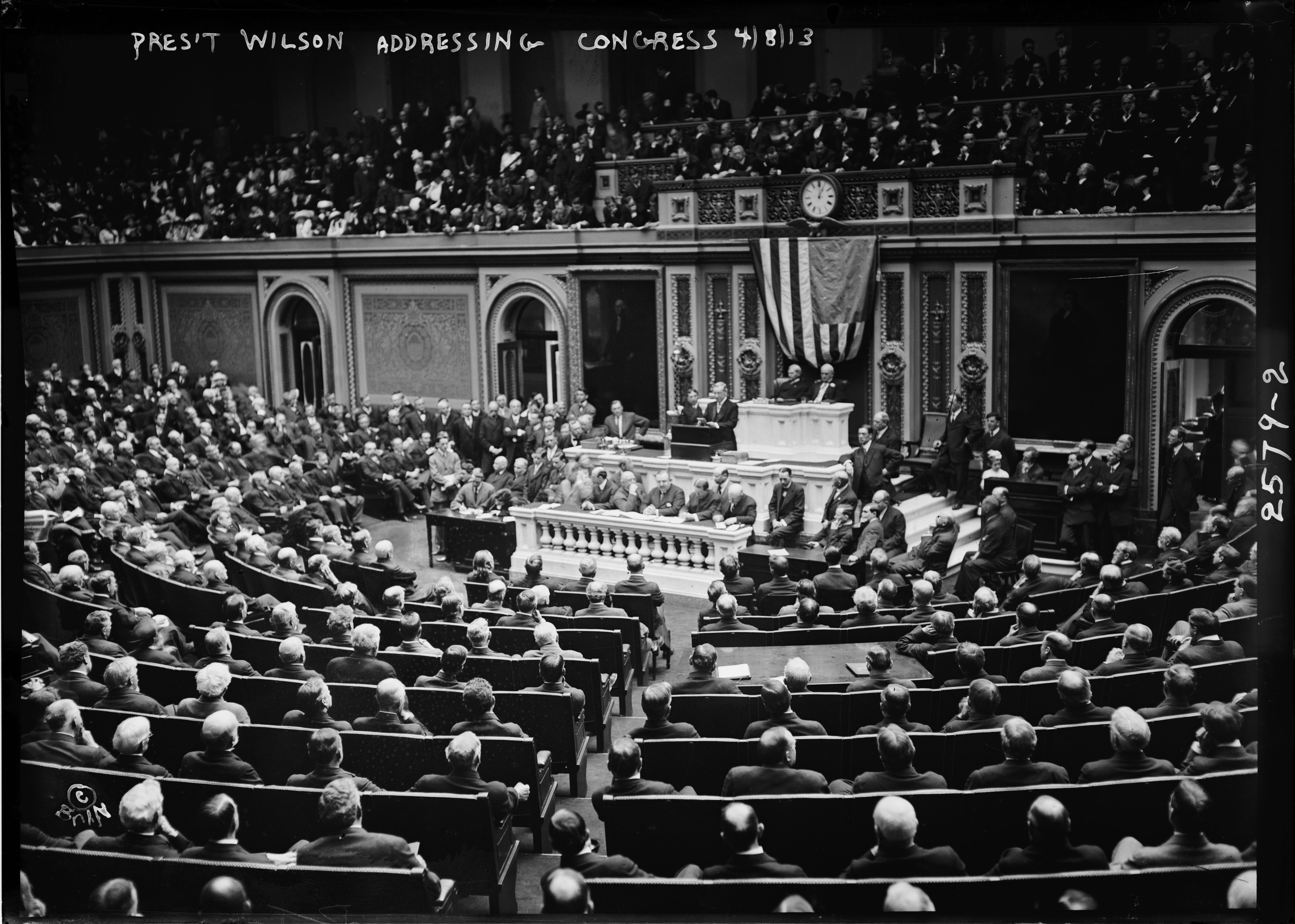 historic picture of President Wilson addressing congress