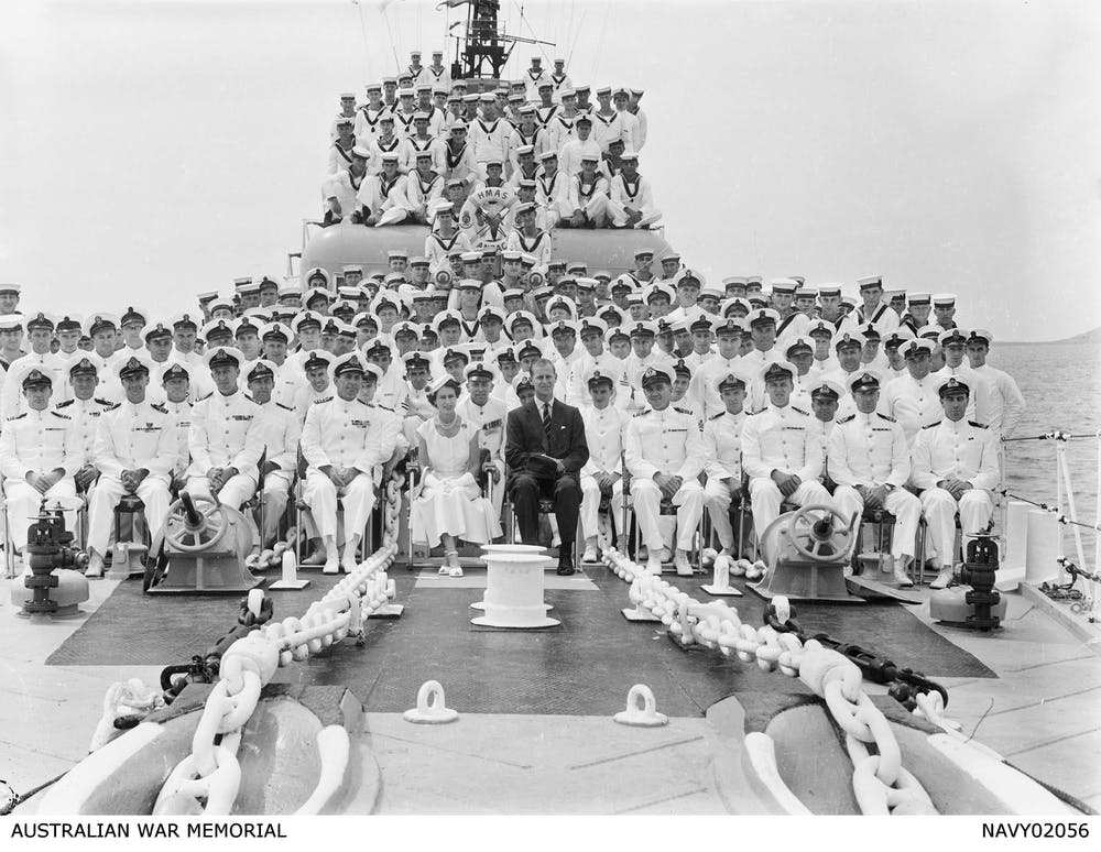 friday essay king queen and country will anzac thwart  queen elizabeth ii and the duke of edinburgh join the crew of the battle class destroyer hmas anzac for a ship s photograph in 1954 n war memorial