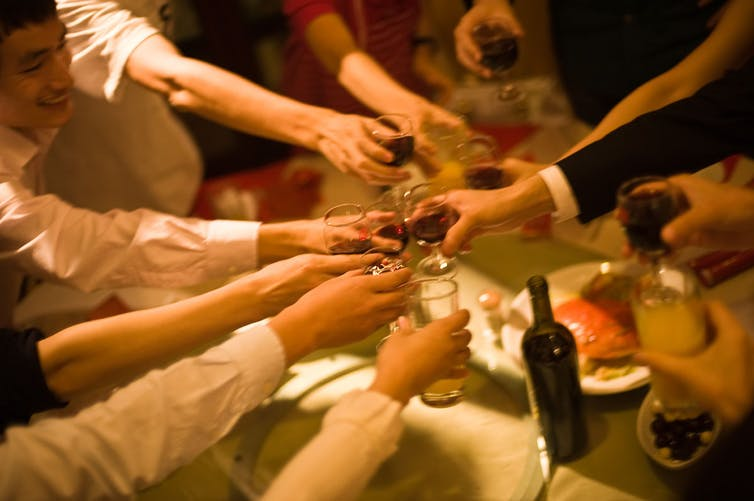 Cheers! Credit: Jakob Montrasio/Flickr, CC BY-SA