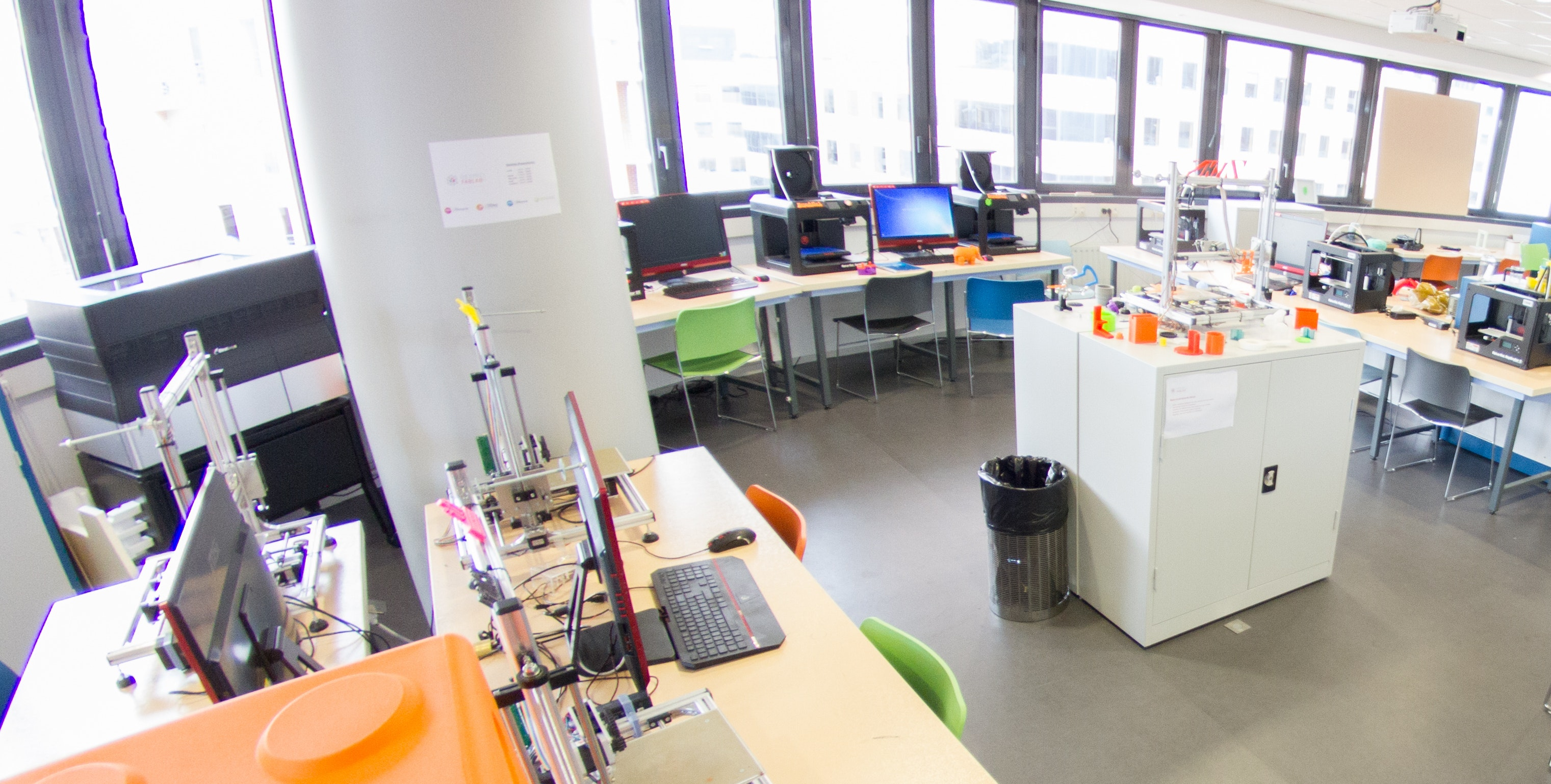 Fab lab : do it yourself, hackers et autres open source