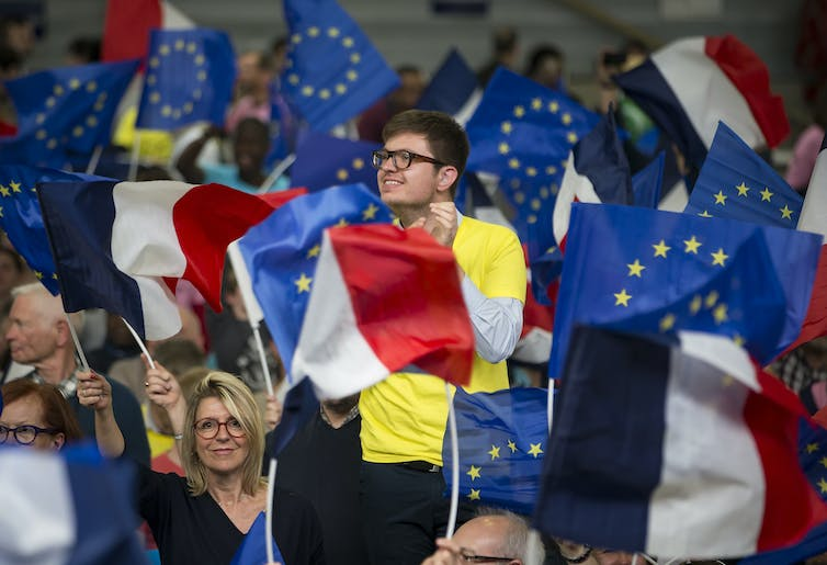 Euro strengthens as 'pro-business' Macron wins French presidency
