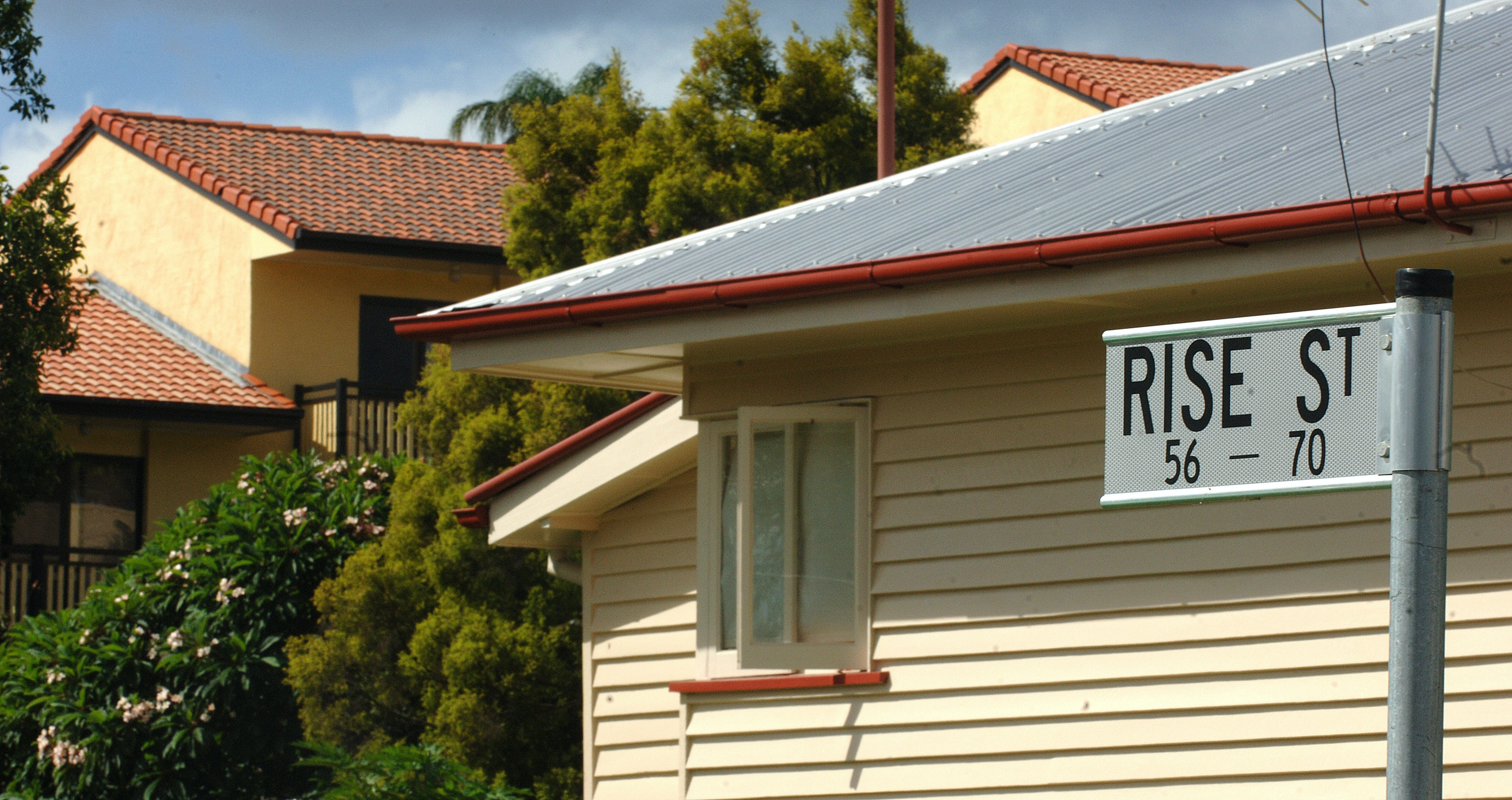 sydneysiders blame foreign investors for high housing prices – survey