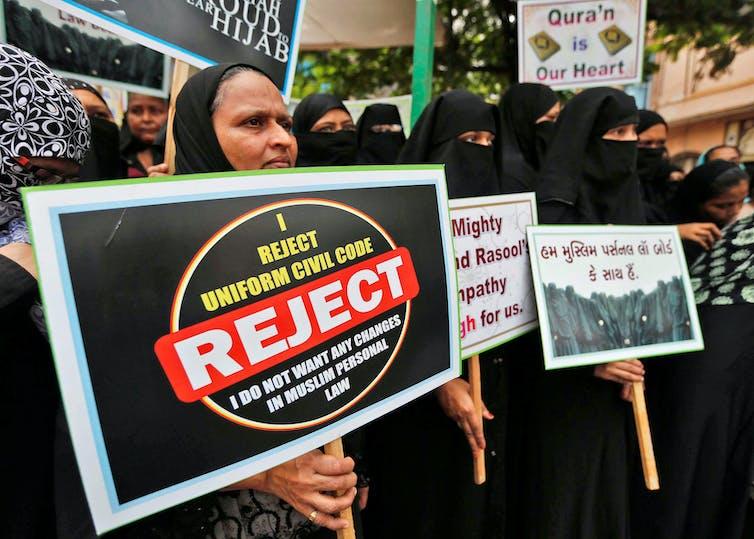 Muslim 'instant divorce' law divides India