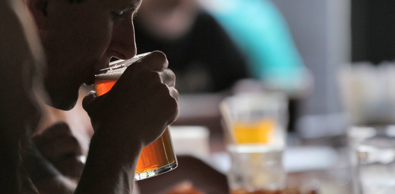 how does alcohol use affect a students academic performance