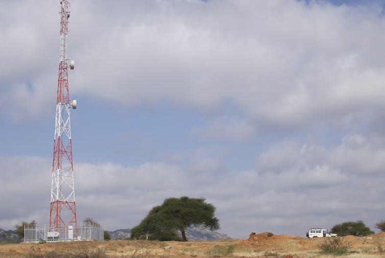 file 20170613 25879 1qww75t.jpg?ixlib=rb 1.1 - On the savanna, mobile phones haven't transformed Maasai lives – yet