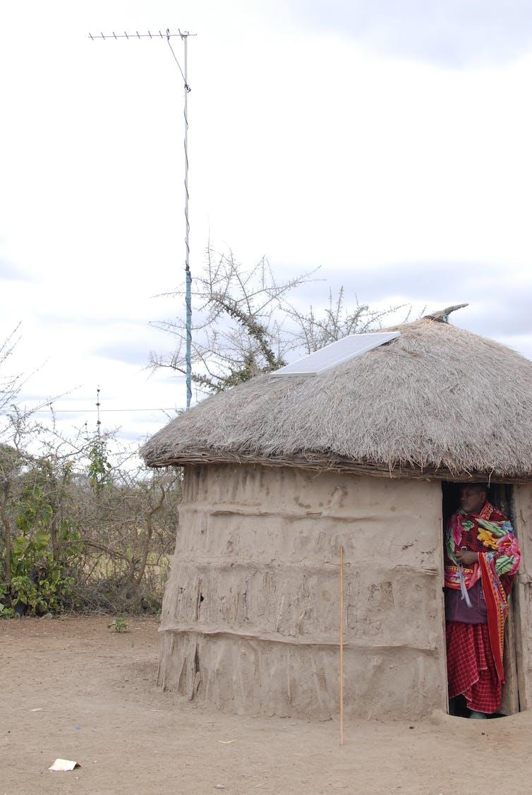 file 20170613 25868 1772rdq.jpg?ixlib=rb 1.1 - On the savanna, mobile phones haven't transformed Maasai lives – yet