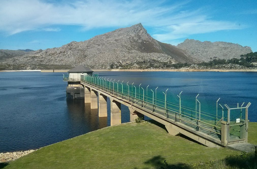 6dfb68c9872 Water levels in Cape Town fell to 20% of their capacity. Lucy Rodina