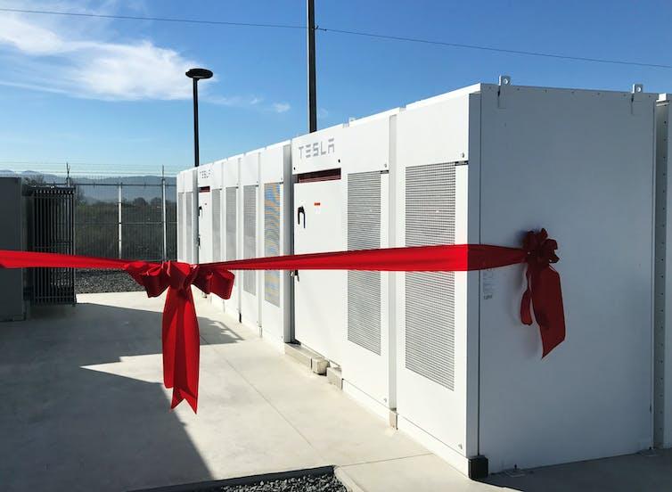 Image of Tesla PowerPack batteries on display in Mira Loma, California