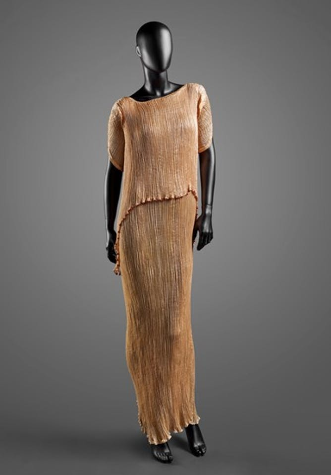 A Delphos Tea Gown designed by Mariano Fortuny. Image credit: Museum of Fine Arts, Houston.