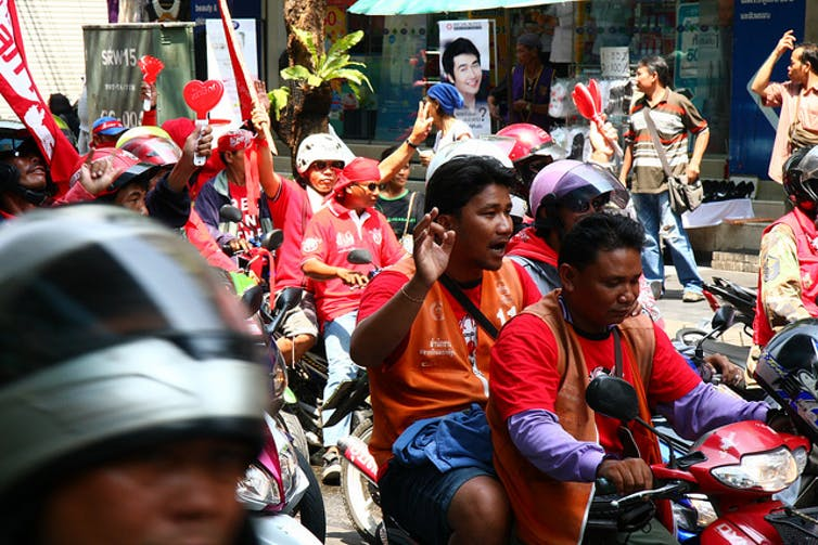 Red shirts in Bangkok. Credit: Francesca Castelli, CC BY-SA