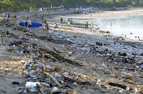 Bagaimana Indonesia Bisa Melawan Pencemaran Plastik