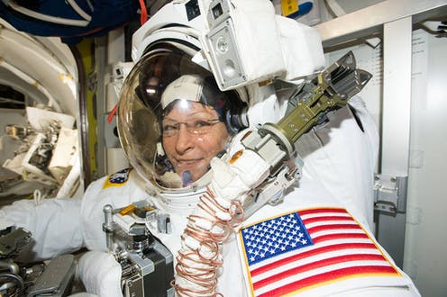 how does astronaut live in space - photo #19