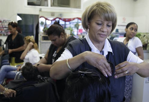 At The Beauty Salon Dominican American Women Conflicted Over Quest For Straight Hair