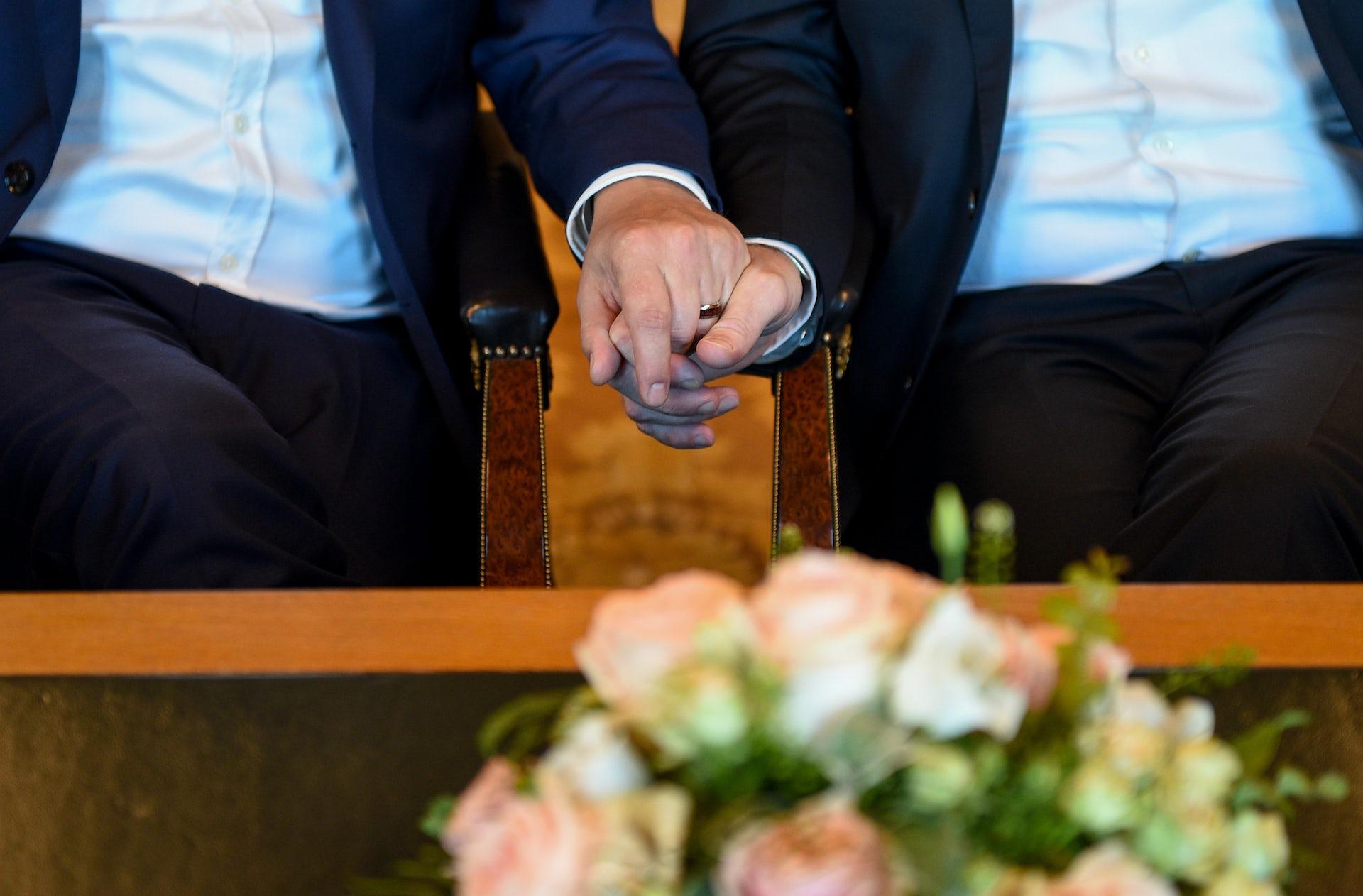 Debate same sex marriage mp3