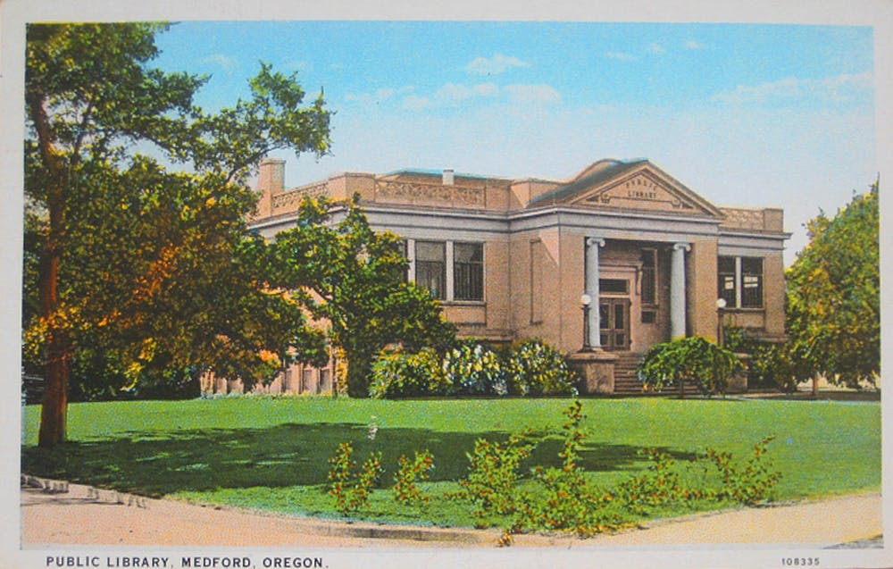 The Medford Oregon Public Library Depicted In This Postcard Is A Classic Example Of Carnegie Architecture Offbeatoregon