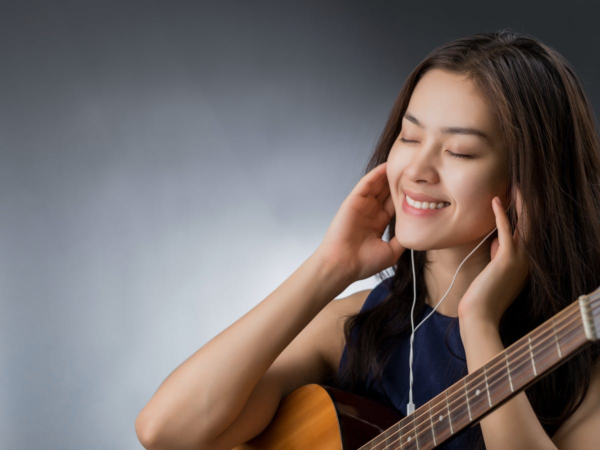 Have Scientists Found A Secret Chord For Happy Songs When you need someone to carry you dsus/b gsus2. secret chord for happy songs