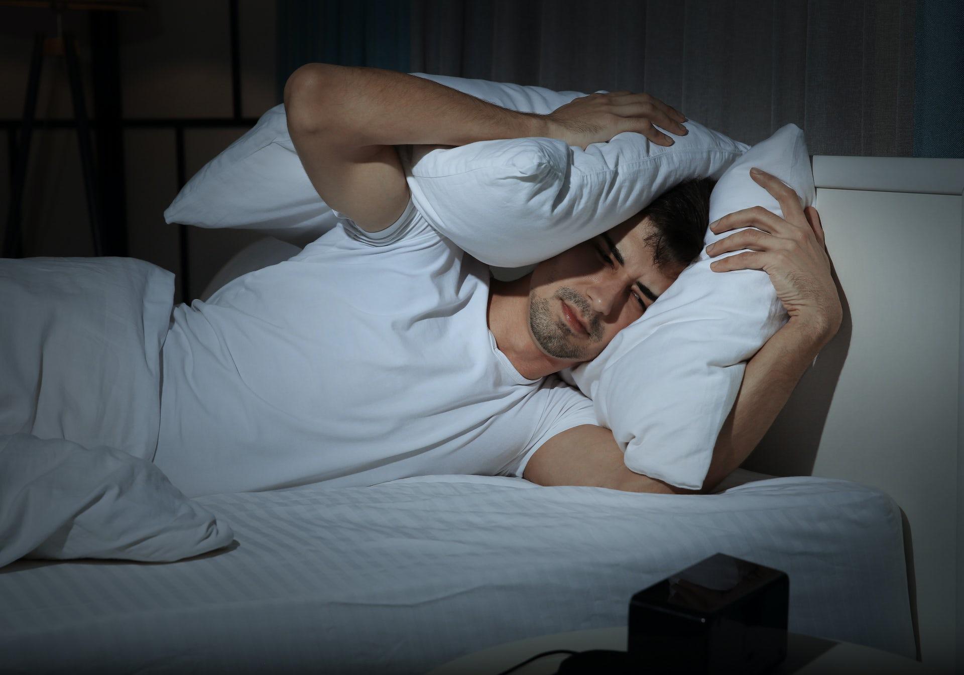 A new sleep crisis. Africa Studio / Shutterstock.com