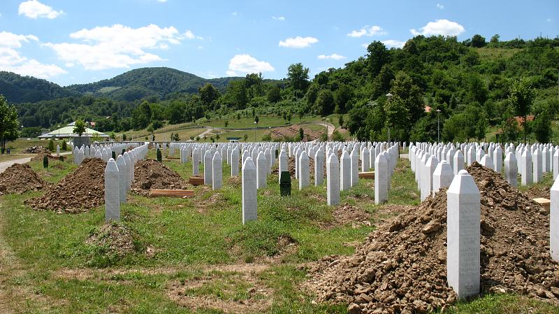 Mladic 'Significantly Contributed' to Srebrenica Massacre — UN Court