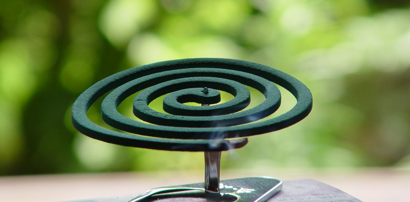 mosquito coil Definition of mosquito coil - a spiral made from a dried paste of pyrethrum powder, which when lit burns slowly to produce a mosquito-repellent smoke.