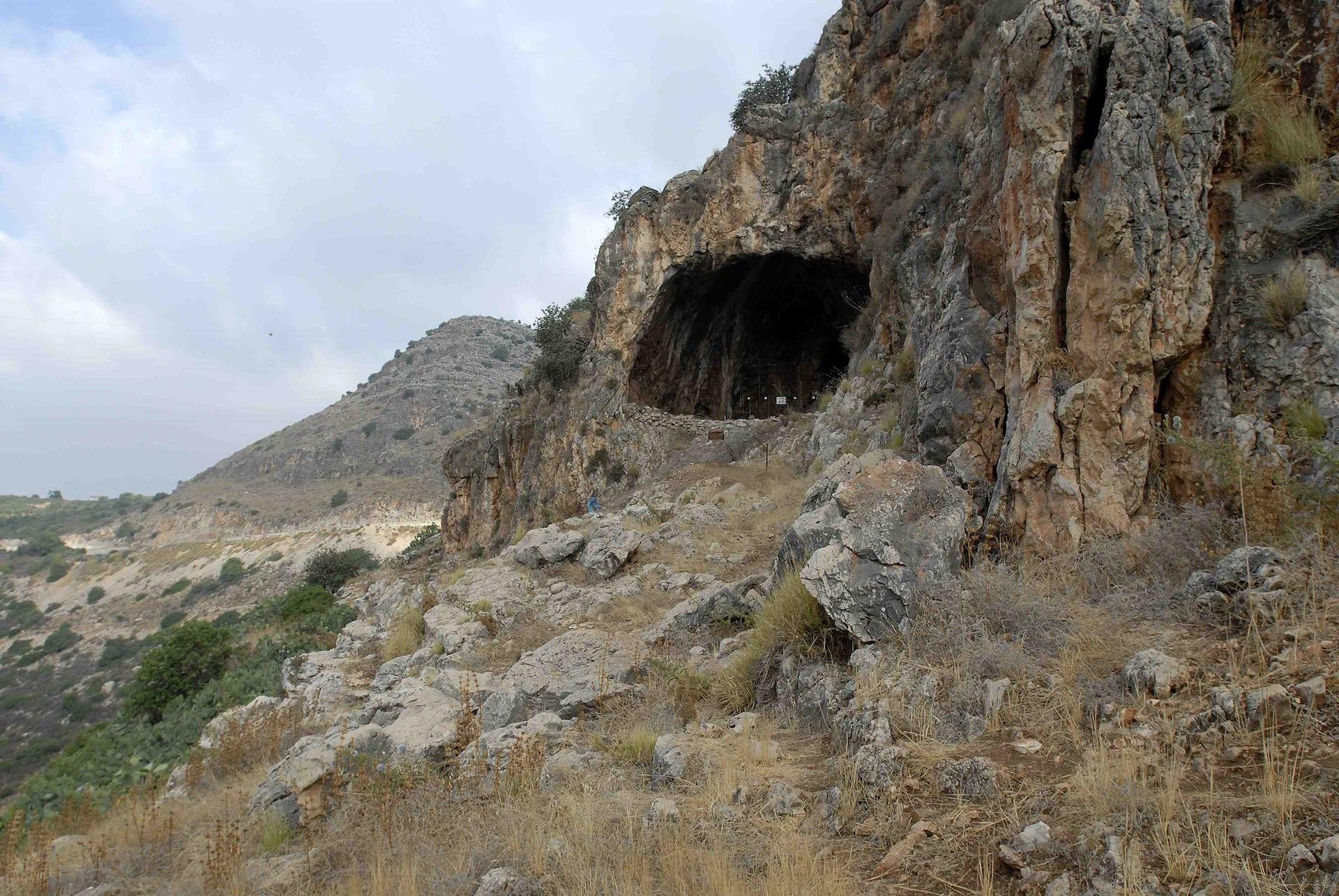 Hilazon Tachtit cave. Naftali Hilger