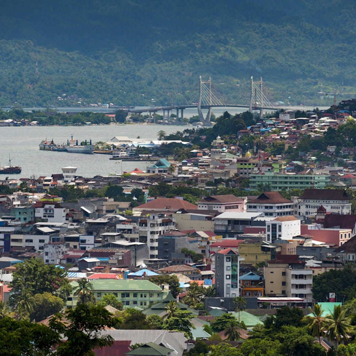 Konflik Lokal Dan Ekonomi Pelajaran Dari Maluku