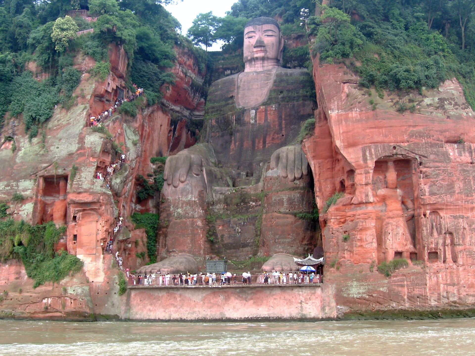 Giant Buddha Statue of Leshan, Sichuan, China. Photo credit: Ariel Steiner/wikipedia, CC BY-SA