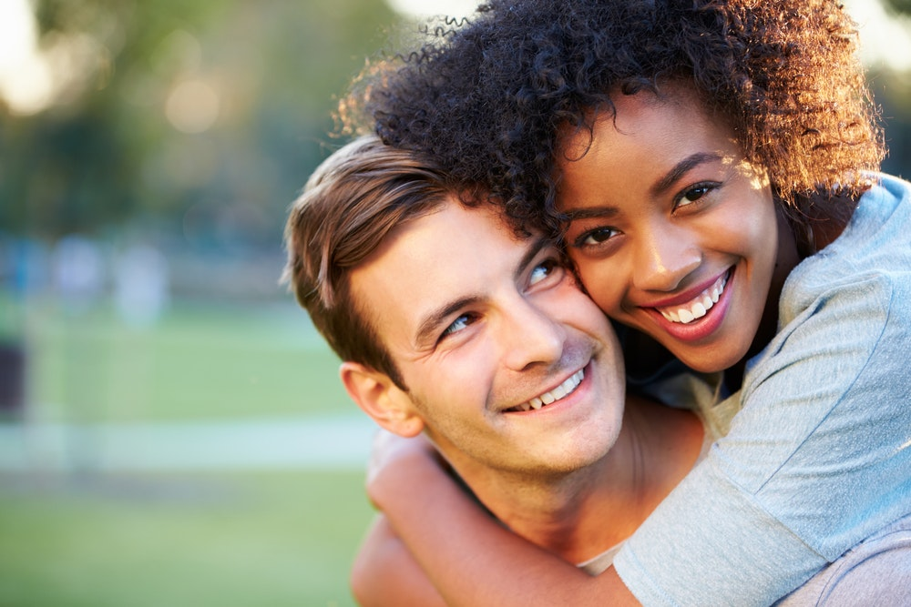 Transition from online dating to relationship