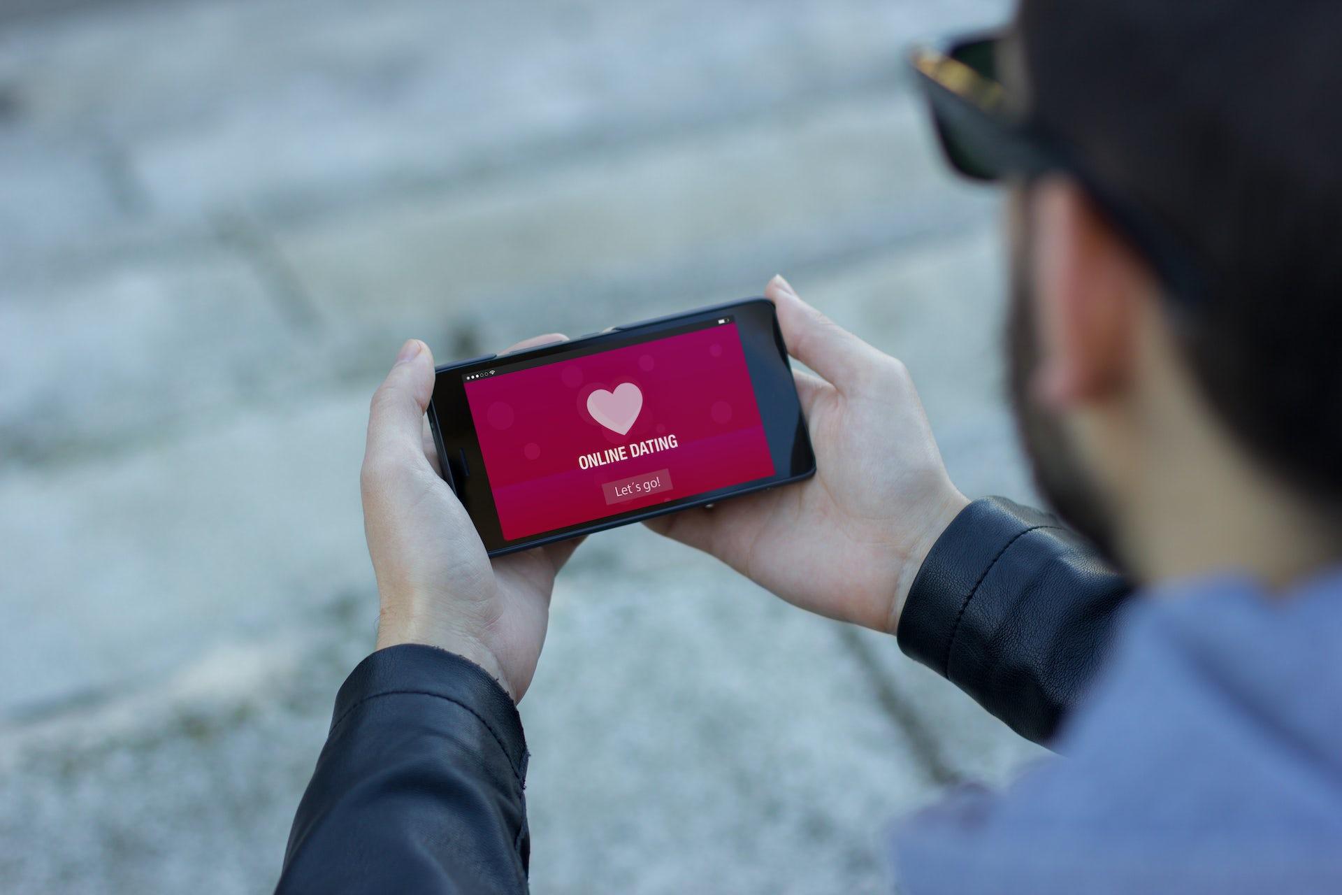 Online dating causes divorce