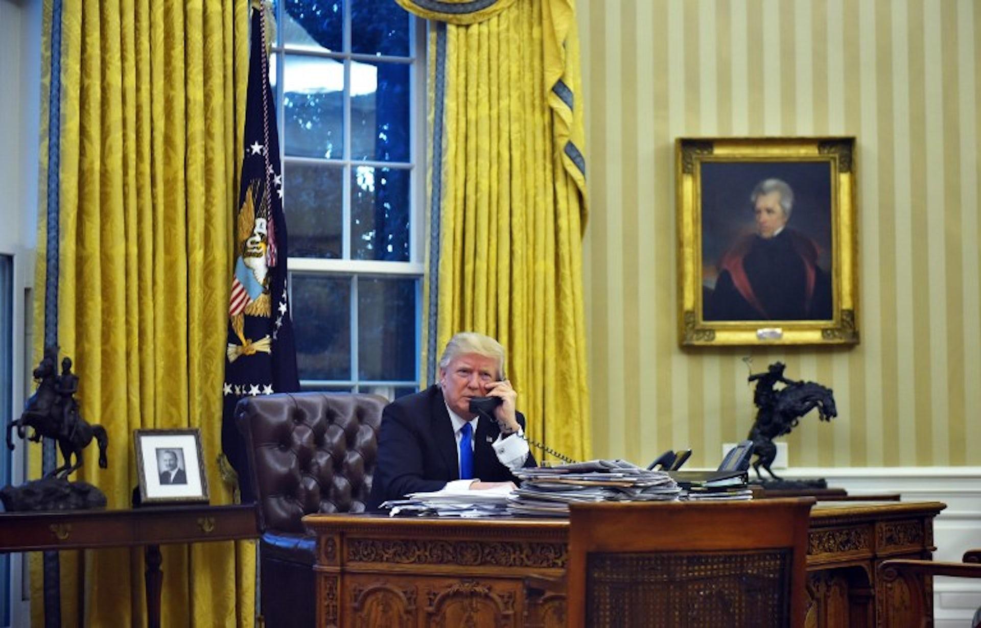 Donald trump à la maison blanche autopsie de la stratégie du chaos