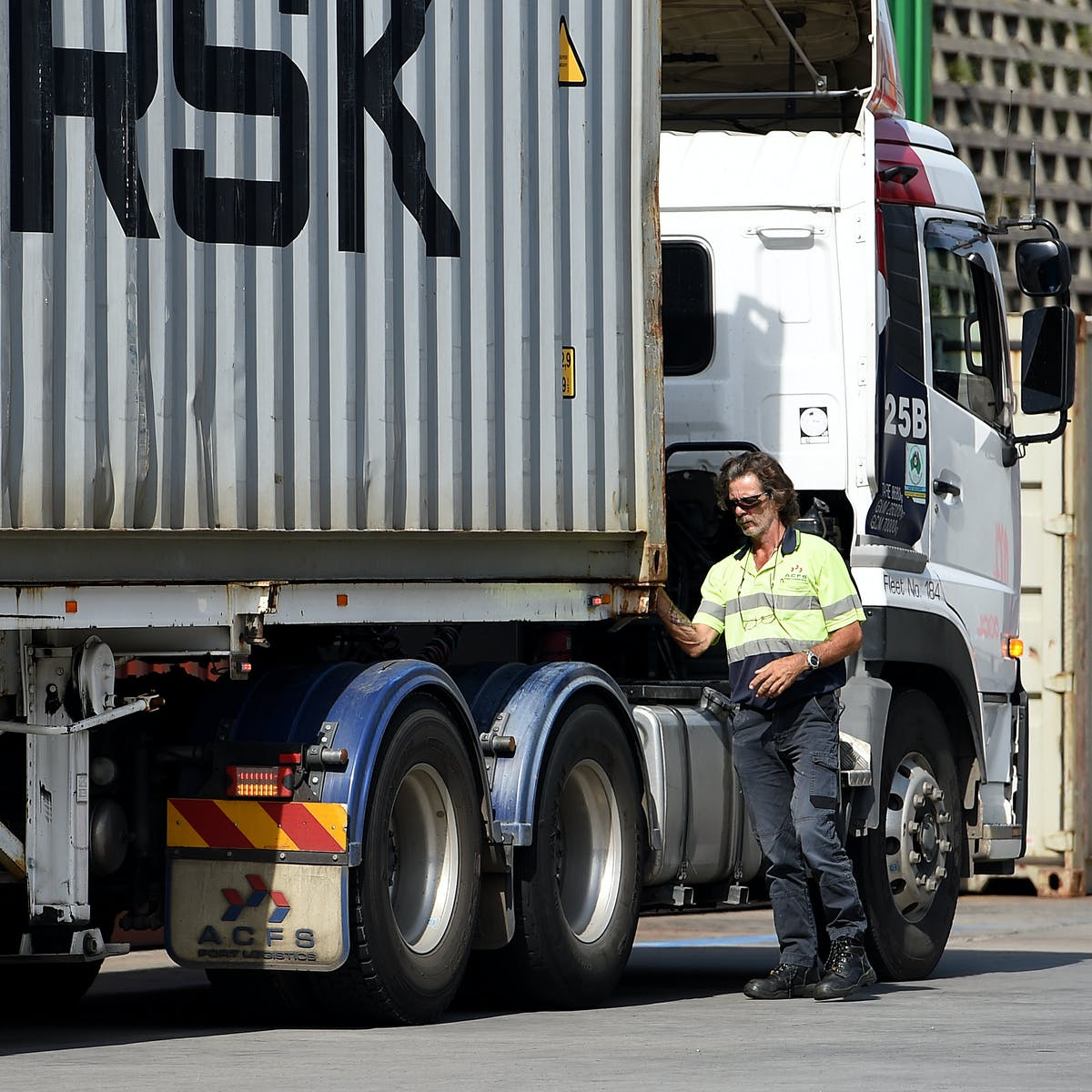 Truck drivers still aren't paid for all the work they do