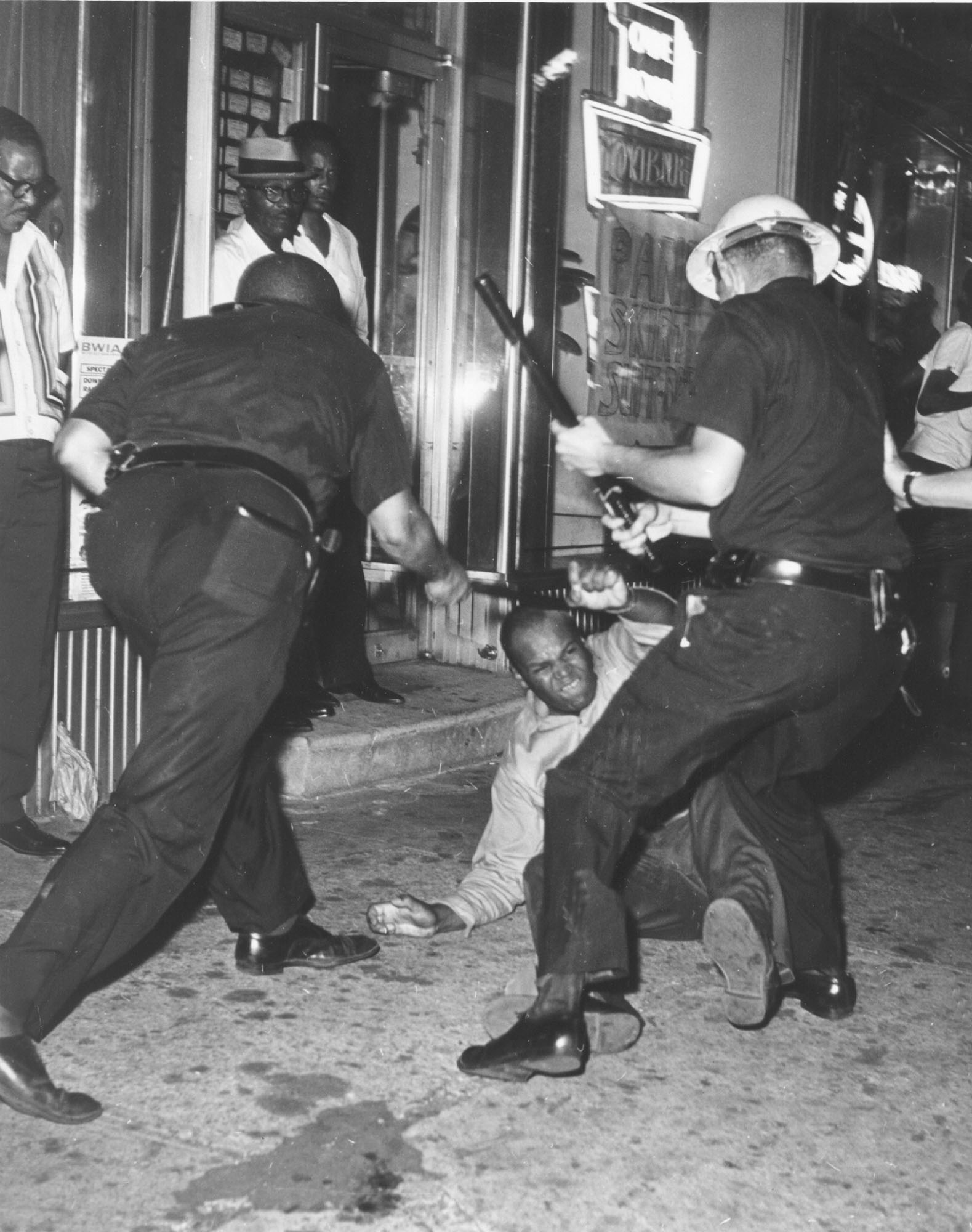 Riots Erupted In New Yorks Harlem Neighborhood In July 1974 After A White Police Officer Sa Blackager Ap