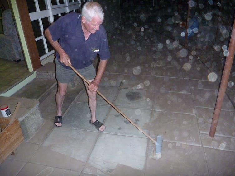 Sweeping away the dust in the central Western Australian Wheatbelt Feb 2013. Credit: Neville Ellis