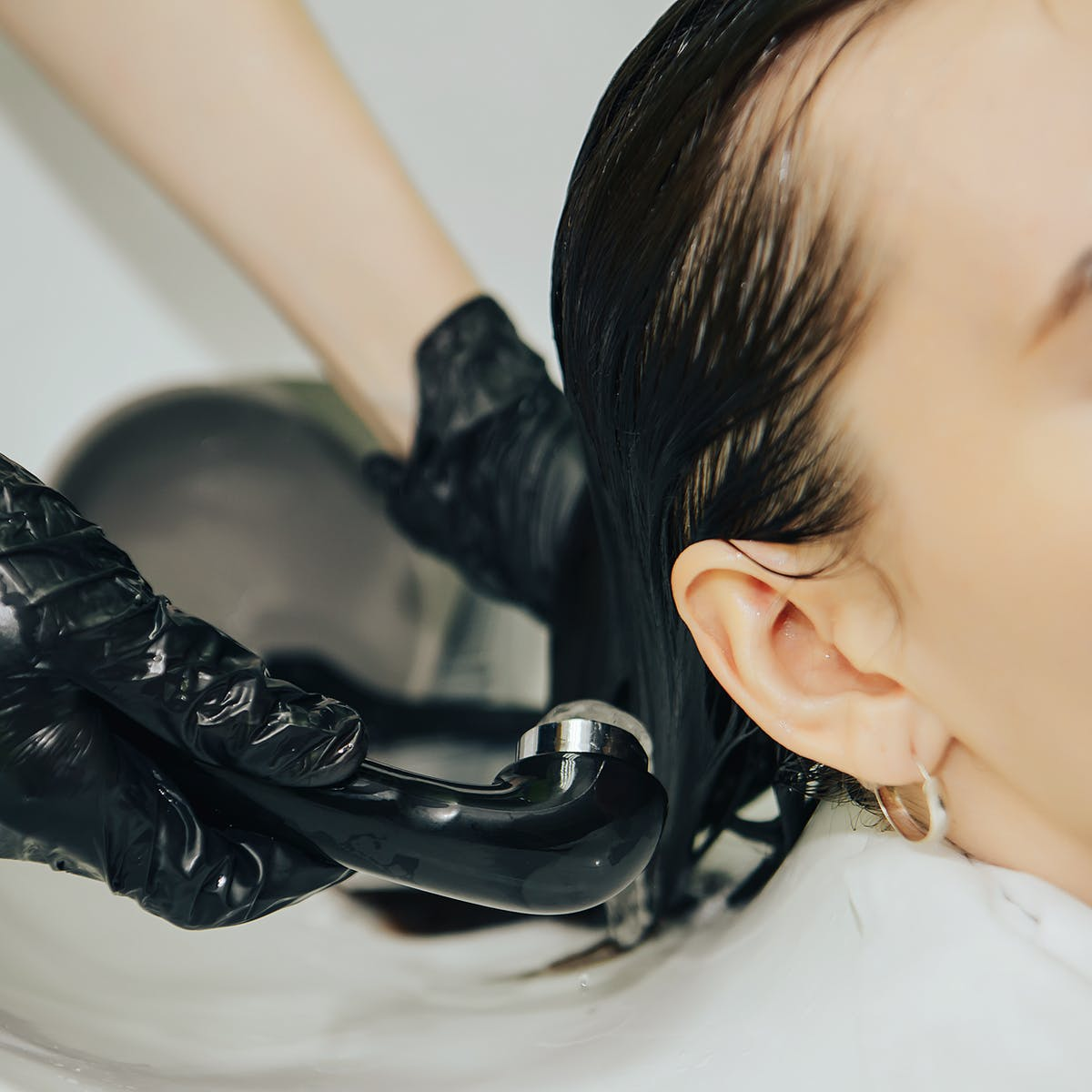 Eager to dye your hair with 'nontoxic' graphene