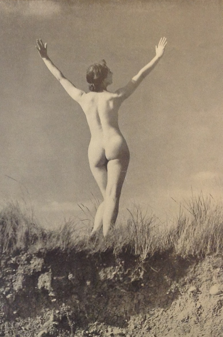 Sun worship'. Health and Efficiency magazine, 1935. © H&E naturist magazine/Hawk Editorial Ltd., Author provided