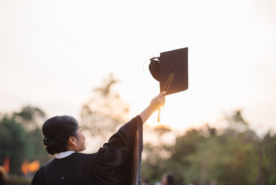 Pinjaman Bagi Mahasiswa Miskin Untuk Kesetaraan Akses Pendidikan